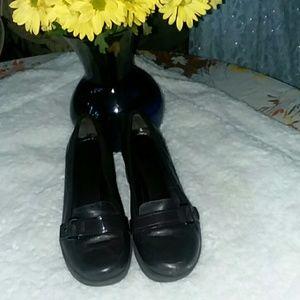 Devitt loafers width, leather closed toe